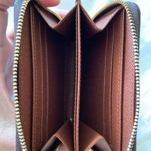 Louis Vuitton Bags - Louis Vuitton Zippy Coin Purse